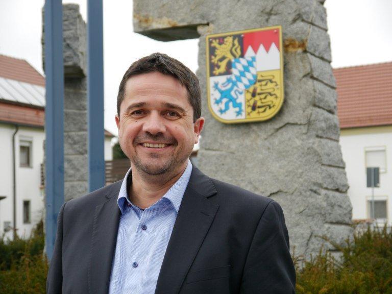 erster Bürgermeister Herr Adalbert Hösl