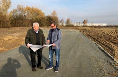 Manfred Krä und Manfred Hacker vom Planungsbüro KEB an der Baustelle